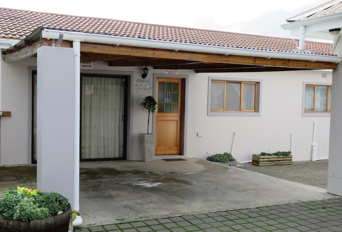 32 On Faure - Self Catering