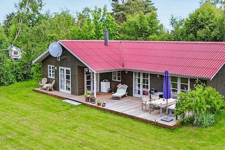 Luxurious Holiday Home in Idestrup With Whirlpool