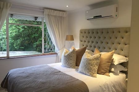 Kingfisher Suite, Luxury, comfort & good food - Pinetown - Bed & Breakfast