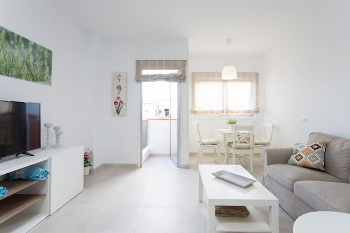 Bright and spacious apartment in the citycenter - Santa Creu de Tenerife