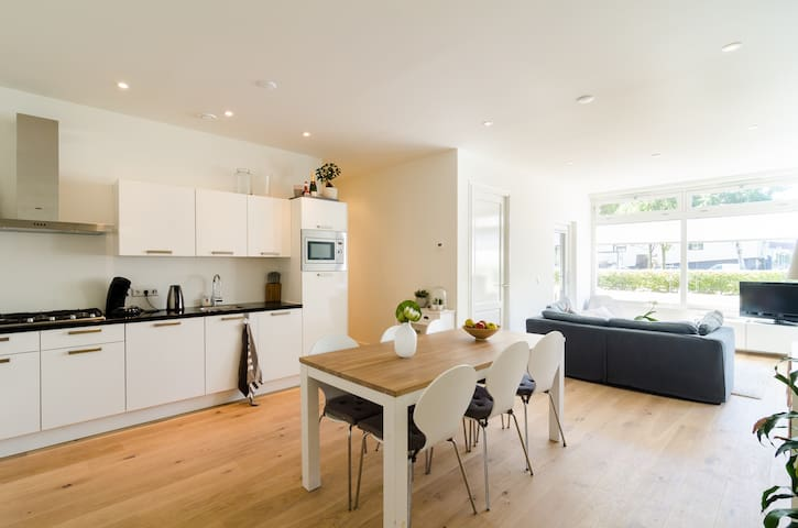 Luxurious, big apartment for 4, near Ctr&Schiphol - Amsterdam - Apartment