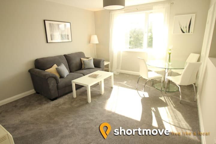 Shortmove | Robin Hood Apartments #4