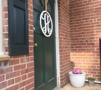 Beautiful Rosslyn Apartment - Arlington - Apartamento