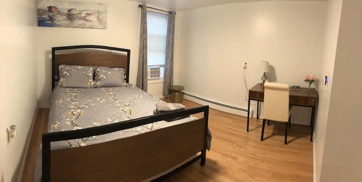 R3 Private room in Everett near Boston near Casino