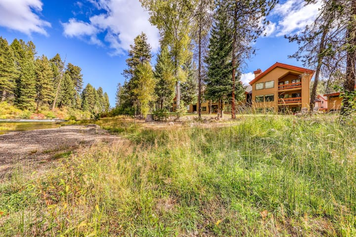Lovely riverfront condo w/ a shared pool & tennis - close to downtown McCall