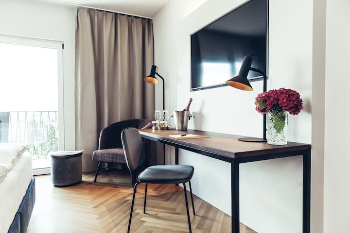 Doppelzimmer Standard Hotel DERMUTH****