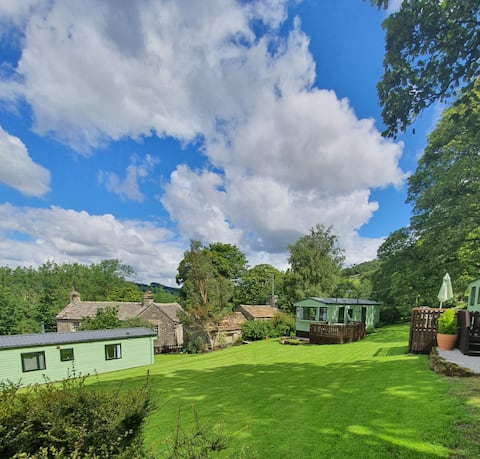 Fell View - Cosy 2 bedroom Yorkshire Dales lodge