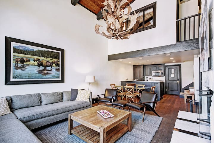 96 Hour Sale - Ends Feb 28 - Fully Renovated 3Br Condo at Lodge at Vail