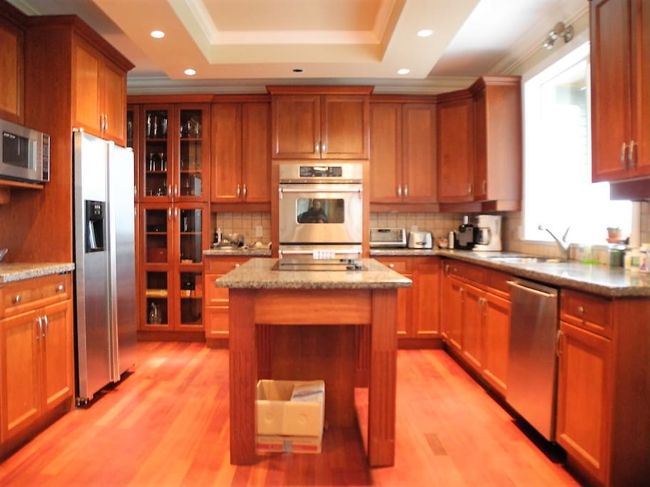 Kitchen with Stainless steel Jenn-Air appliances
