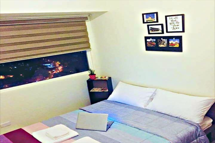Clean Cozy Condo along EDSA!