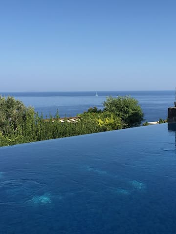 Superb Villa with fantastic View & Infinity Pool - Gündoğan Belediyesi - Huis