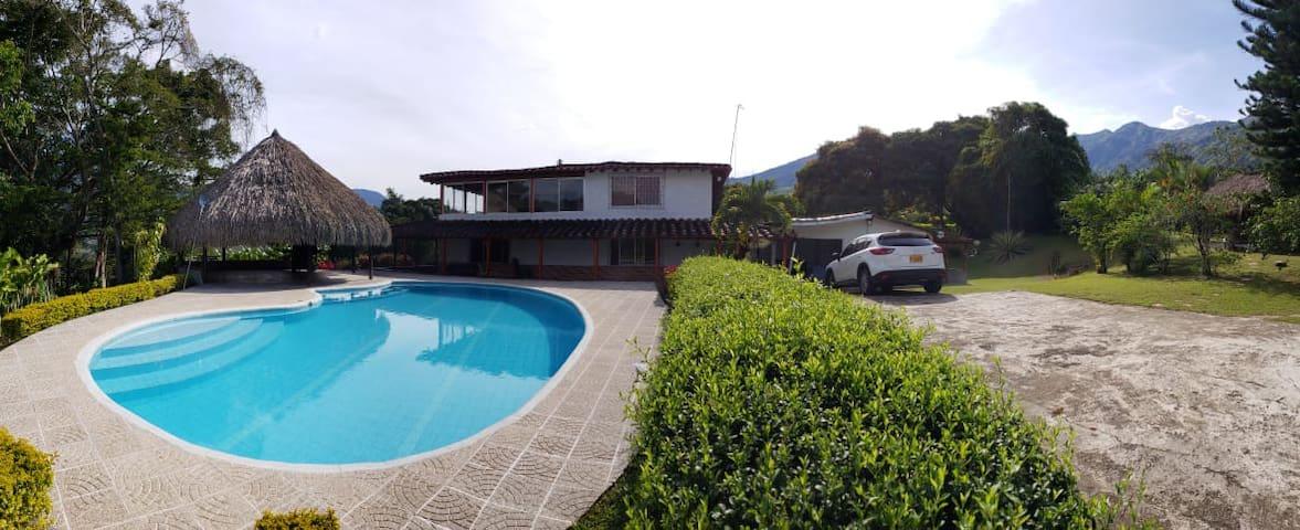 Villa Nodier, finca en Popalito Antioquia