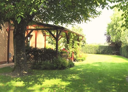 Samostatný domek s terasou v zahradě - Bohumín