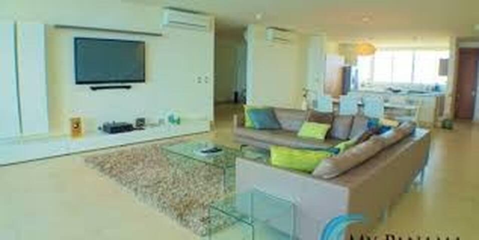Bahia, Serena Beach PentHouse & Loft, Panama