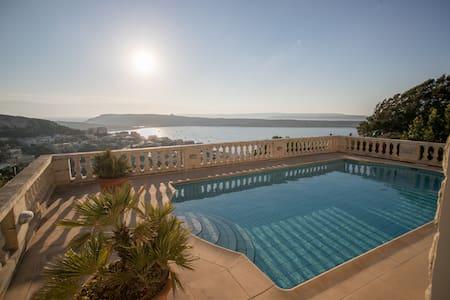 Beautiful villa with sea views - Il-Mellieħa
