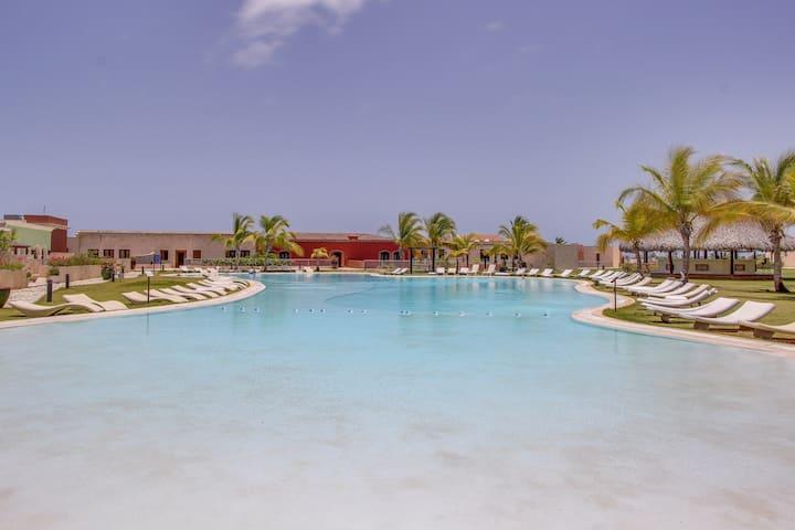 Resort apartment w/ balcony & shared pool, Ping-Pong, & tennis!