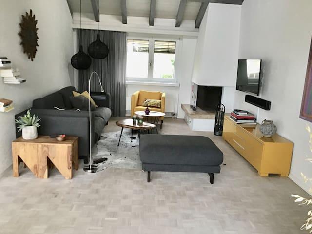 Dachterrassenwohnung, verkehrsgünstig Nähe Zurich