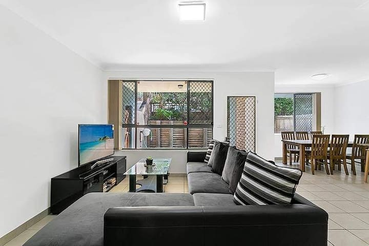 Cozy and  comfort living within Parramatta CBD