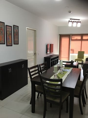 The Aston 2 Serendra at BGC, 1br fully-furnished