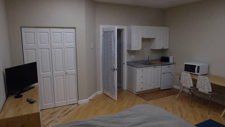 Shoreline Suites Bachelor Apartment
