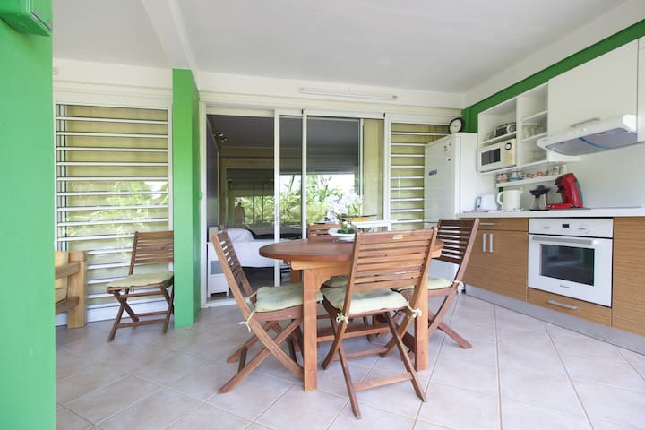 1 BR apt In the heart of the Island - Ducos - Huis