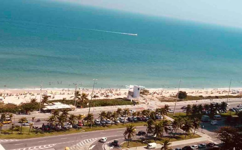 Incredible view/2x2 Beachfront