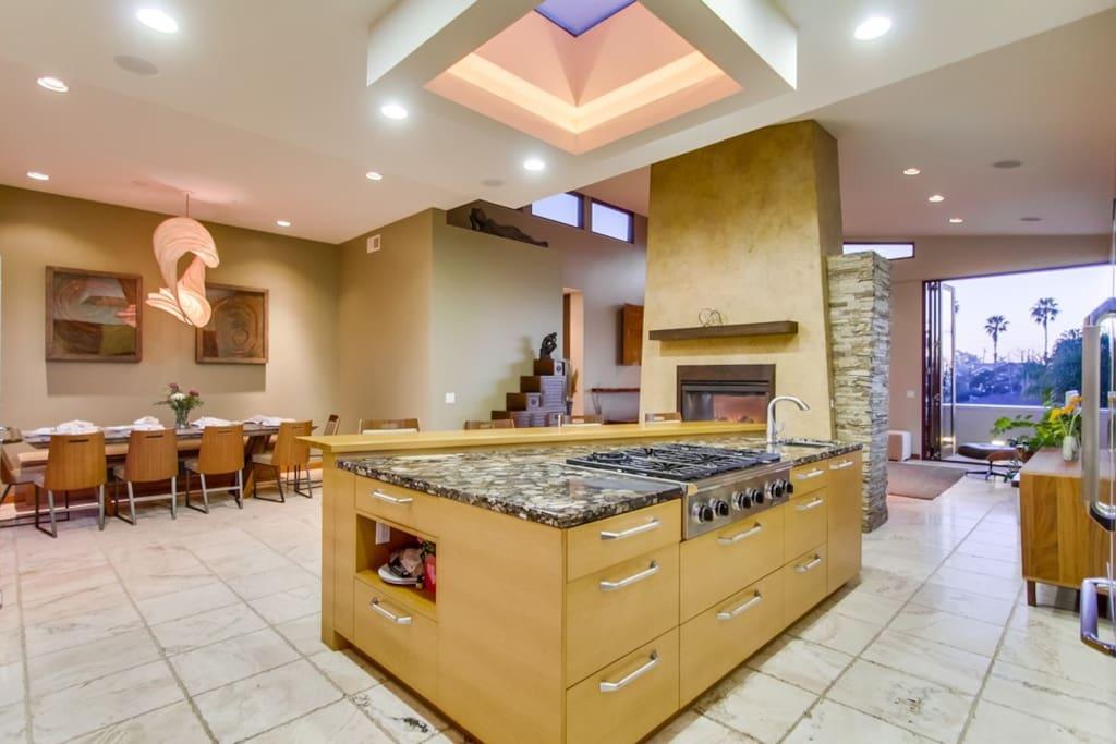 Gorgeous open concept  kitchen.