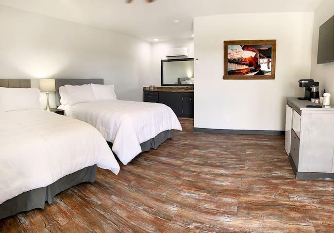 Fink Motel 202