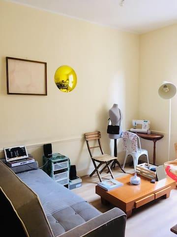 Chambre et Salon dans une colocation de 60m2