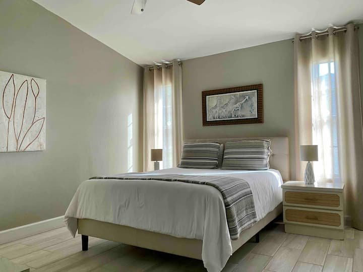 Welcome Home - Clean Private Master with En Suite
