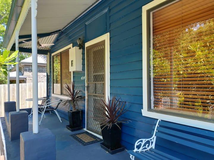 Miner's Cottage in Ballarat Central - a cozy room