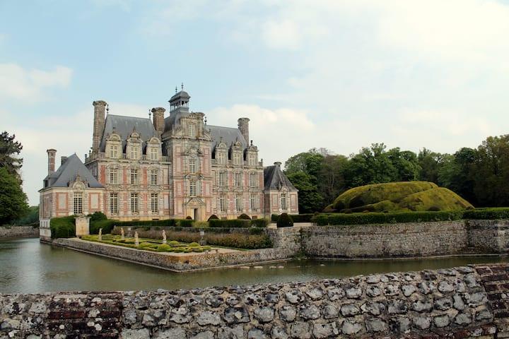 """Gîte """"des Ecuries"""" au Château de Beaumesnil"""