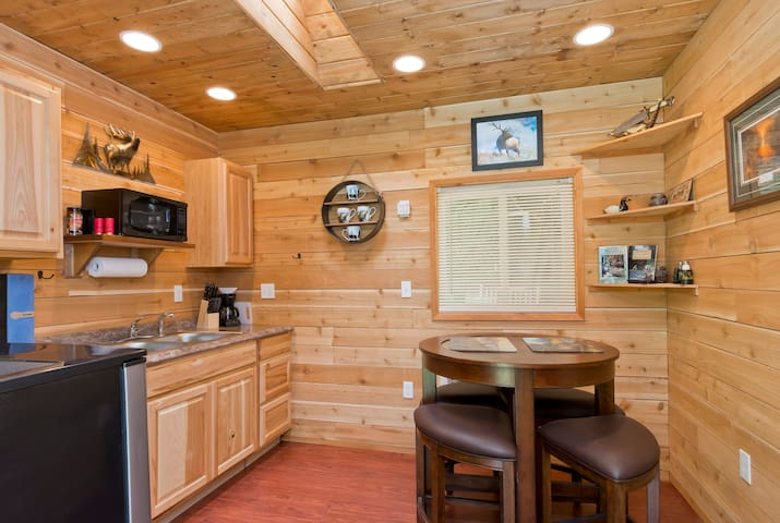 Little Northwest Hunting Cabin