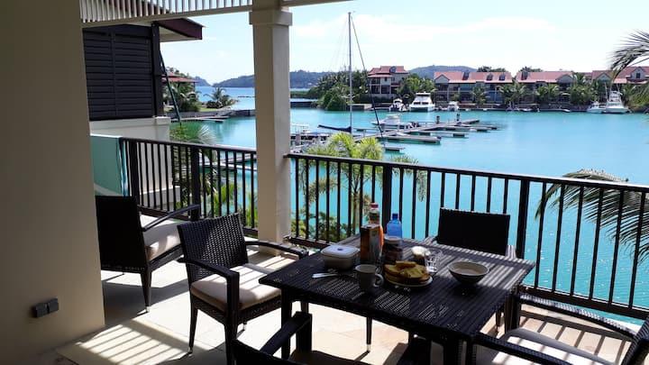 Magnifique logement vue mer sur une île privée