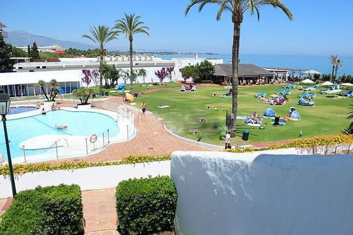 Albayalde,Casa al pie de la playa - Estepona - Dům