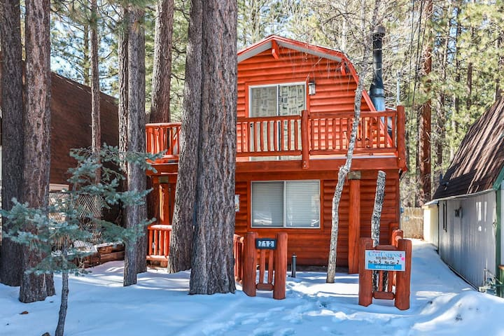 Our Cabin in the Woods - FREE Ski/Board Rental! 10% off any additional rentals!