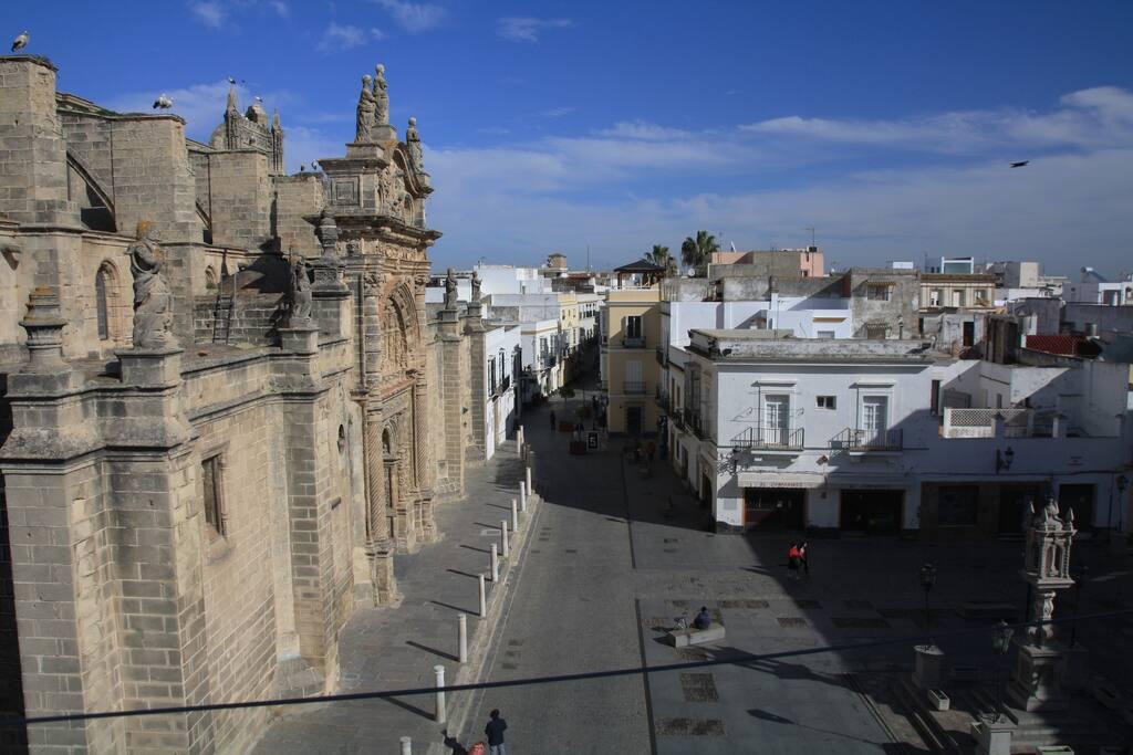 Iglesia Mayor y Plaza de España