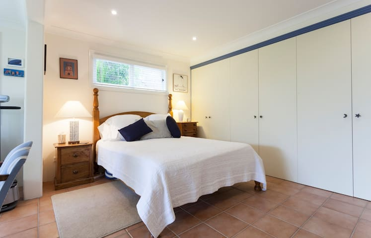 Private Garden Studio in a quiet historic area - McMahons Point