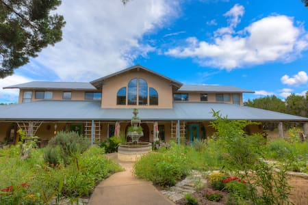 Hill Country Estate - Concierge Services Included - Austin - House