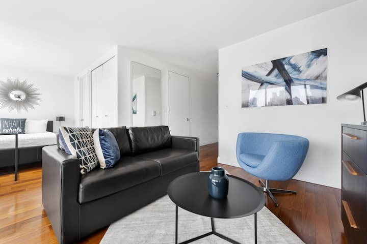 Modern Studio Near Subway - Gramercy Park
