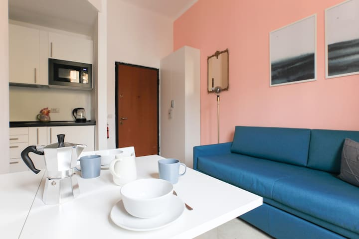 As International AirBNB travellers, we prepared the apartment with all we like to find when we are abroad.