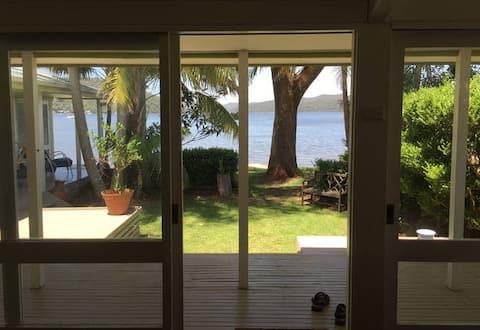 DANGAR ISLAND BEACH HOUSE