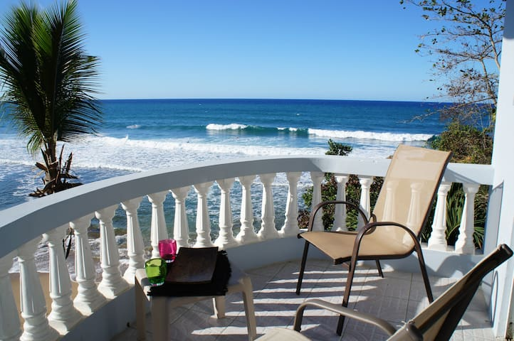 Whale Watcher at Pools Beach - Rincón - Apartment