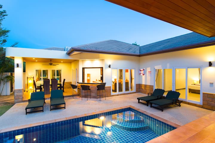 Luxury 3 bedrooms Pool Villa in Chalong 19