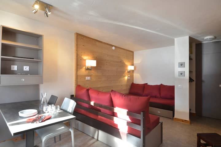 Refurnished two-roomed apartment for 4 people of 28 m² on the slopes