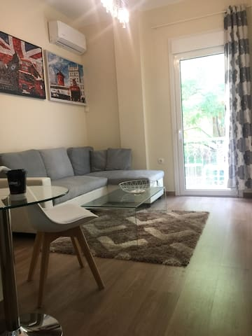 Luxury room in shared apartment in Ambelokipoi