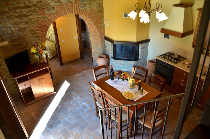 Apartment near Cortona with wifi and green garden - Cortona - Apartemen