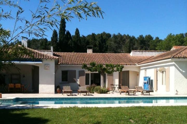 Villa avec piscine privée à Saint-Rémy-de-Provence