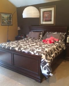 Master Bedroom with Jacuzzi - Peekskill