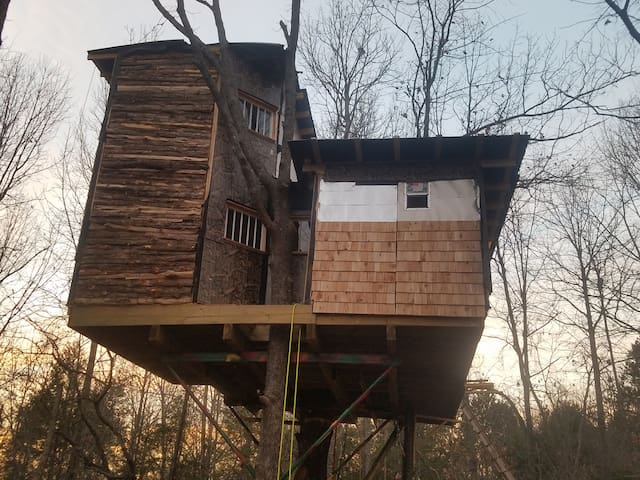Choctaw Treehouse can sleep the Extended Family - Eufaula - Casa na árvore